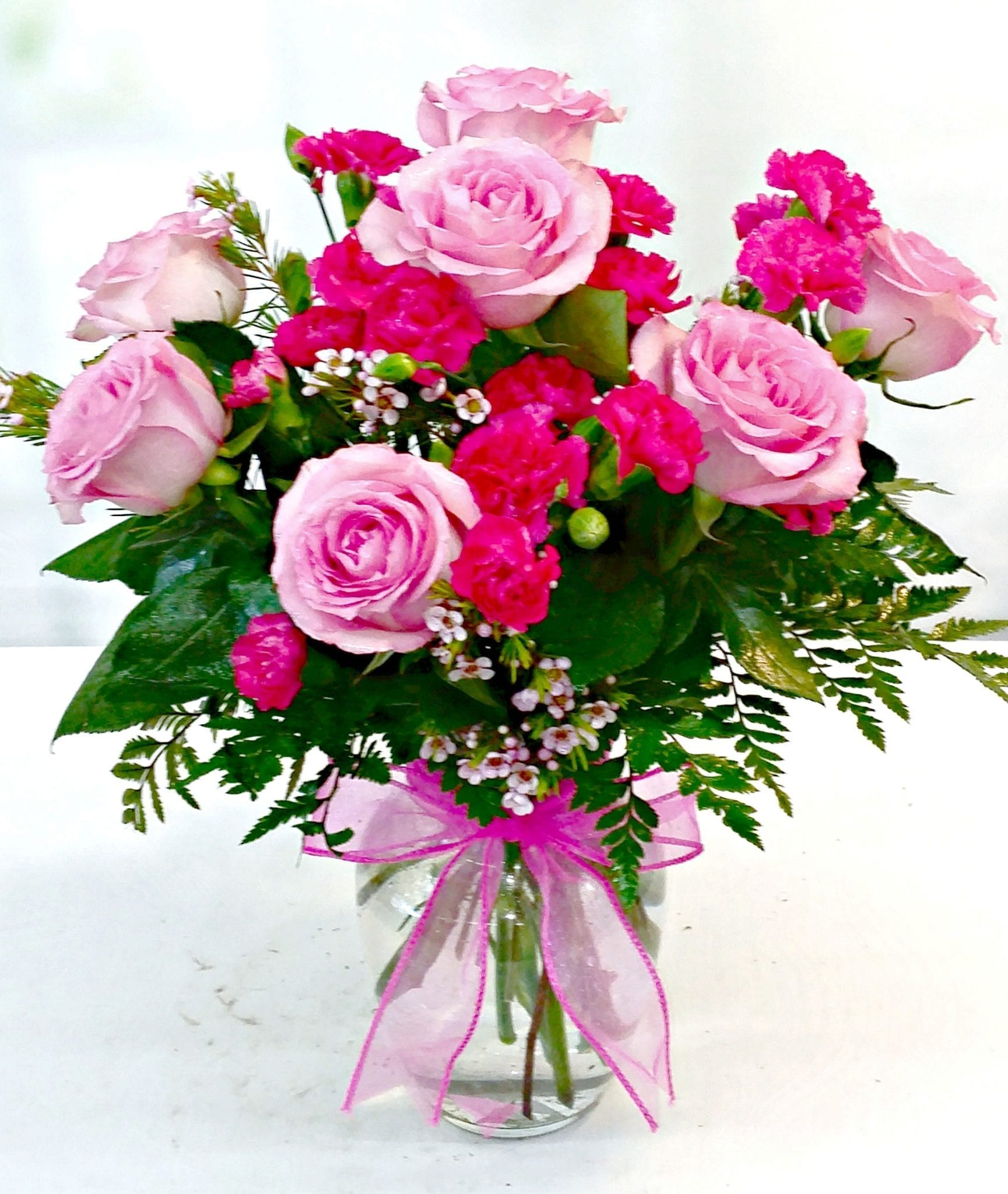 Roses shop long stem and short stem rose bouquet fiesta same day delivery lovely in pink bouquet v 1173 izmirmasajfo