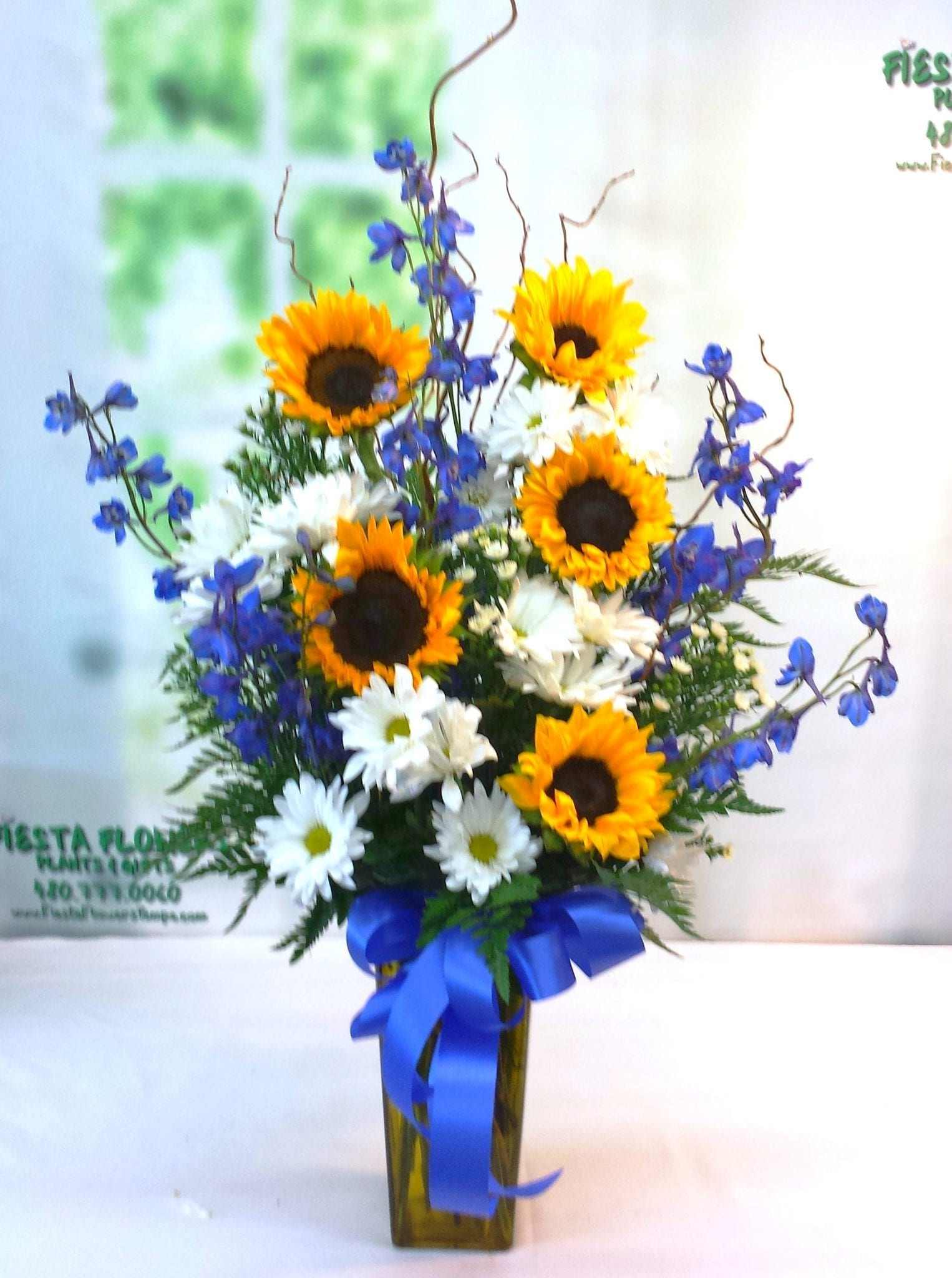Local flower shop in tempe az fiesta flowers plants gifts sunflower tribute bouquet v 1113 izmirmasajfo Image collections