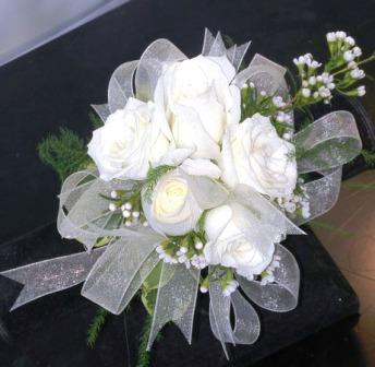White spray rose corsage with deluxe ribbon cb 726 fiesta white rose corsage with deluxe ribbon cb 726 mightylinksfo