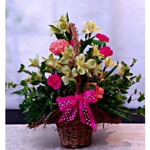 Garden Basket in Pink